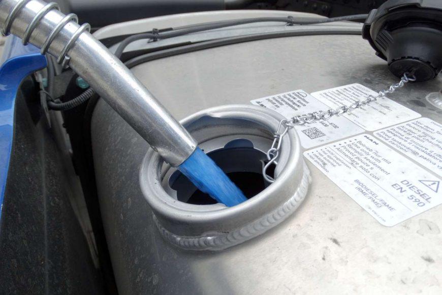 De Machinery doet aan CO2-reductie door over te stappen op HVO diesel.